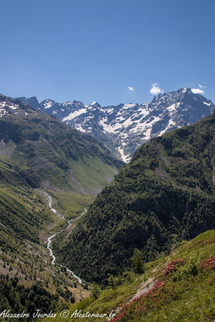 Vallée de la Séveraisse dominée par le Sirac (3441 m)