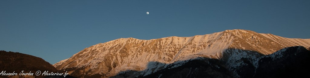 Le Cheval Blanc (2323 m) dans la lumière du soir