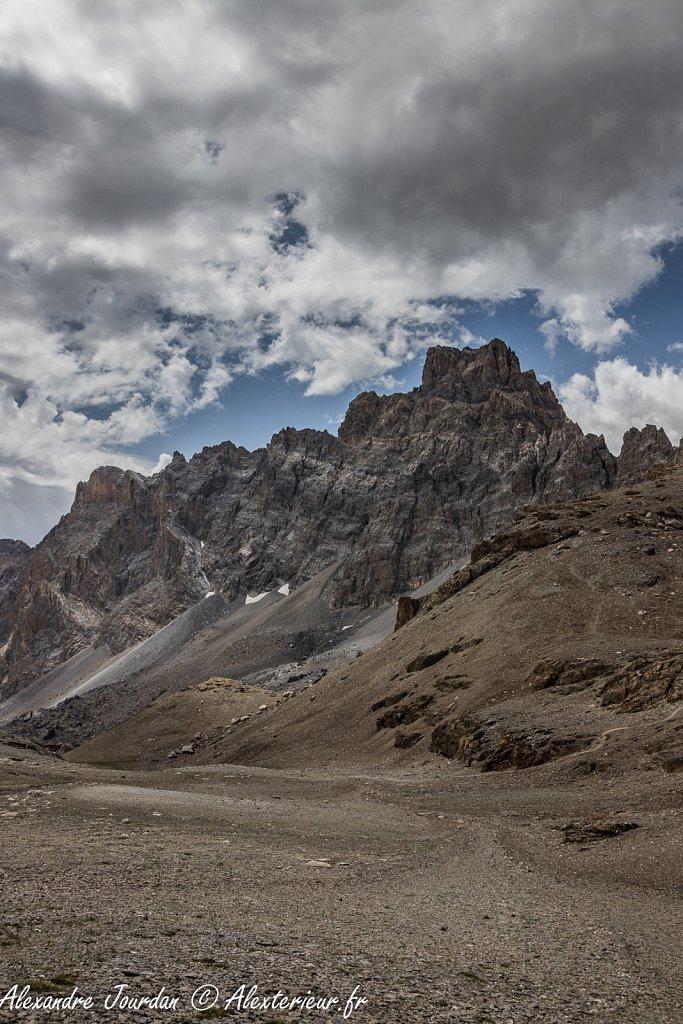 Le Brec de Chambeyron (3389 m) depuis le col de  Gypière