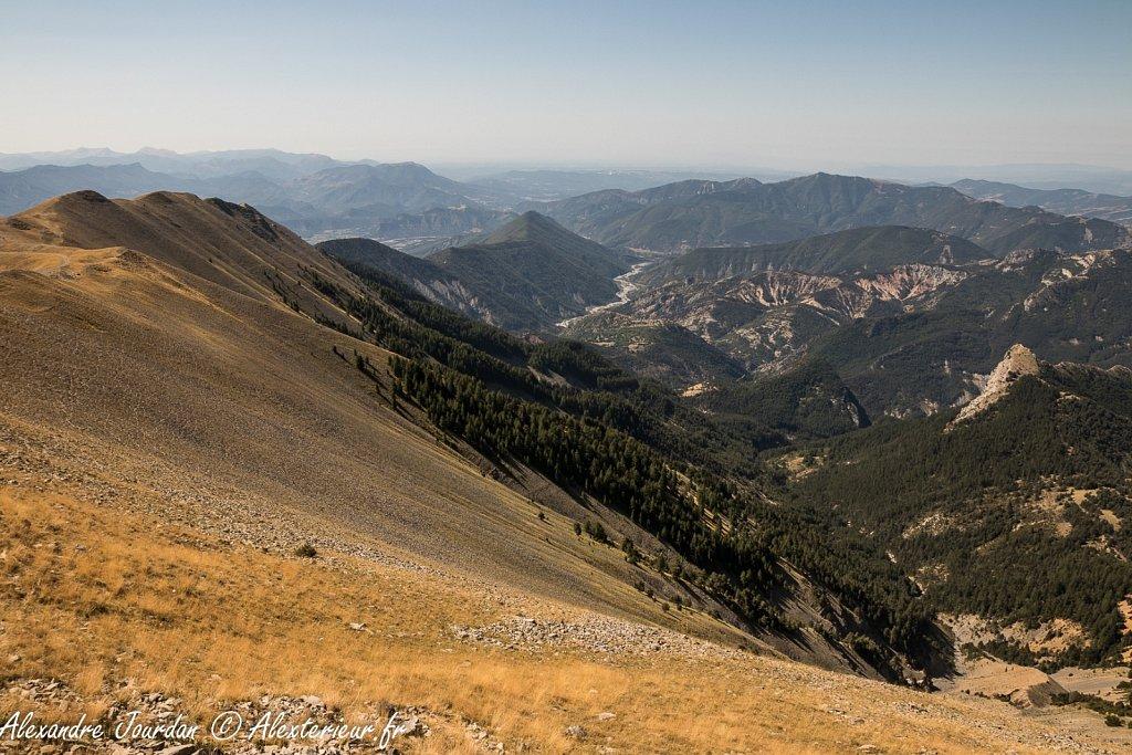 La vallée du Bès depuis le sommet du Blayeul (2189 m)
